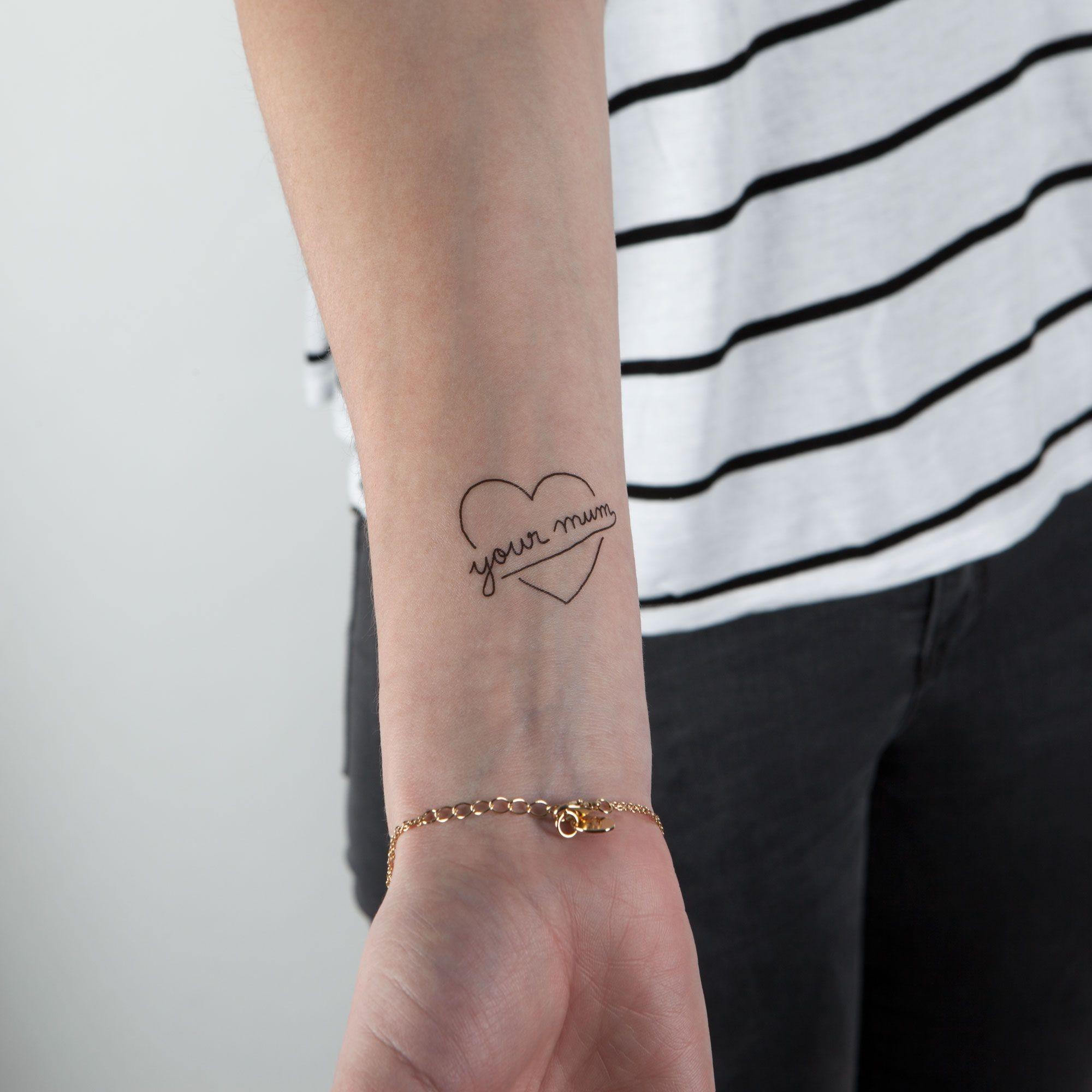 tatouage temporaire La violence et l'amour poignet
