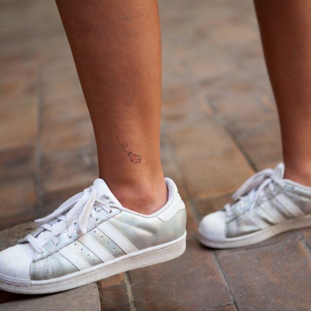 tatouages éphémères cheville bernard forever